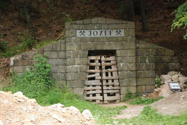 DSC 6143 001 627x420 - Baśniowy świat dubnickich kopalń opalu