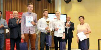 Uczniowie z Podkarpacia zwycięzcami Szkolnych Mistrzostw Menedżerskich