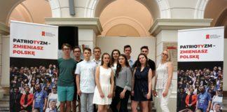 """Uczniowie klasy I b II LO na 5. miejscu w projekcie """"Akademia Nowoczesnego Patriotyzmu"""""""