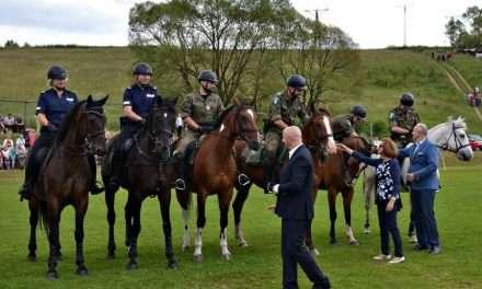Policja konna z Rzeszowa na targach końskich w Lutowiskach