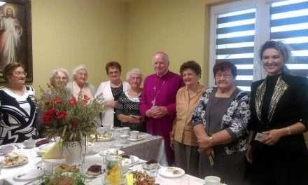 Wizyta Arcybiskupa w Dziennym Domu Senior+ w Zarszynie