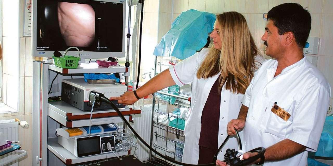 Wojewoda przekazała dotację, a szpital kupił sprzęt endoskopowy