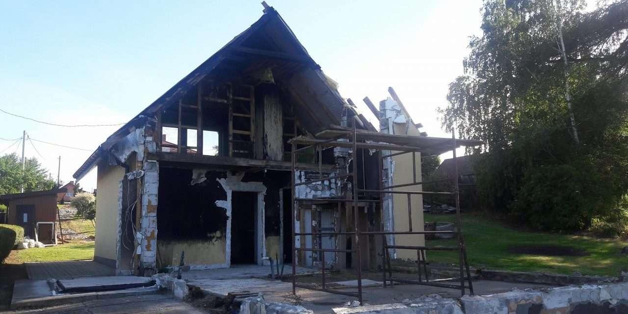 W pożarze stracili szczęście. Pomóżmy odbudować im dom!