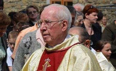 W 3 rocznicę śmierci znanego sanockiego franciszkanina. Biały krzyż ojca Andrzeja