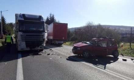 W wypadku w Babicy zginął kierowca opla – zablokowana DK 19