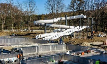 Zobaczcie jak postępują prace nad basenami zewnętrznymi