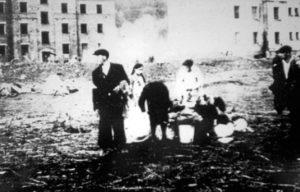 1 Obóz w Zasławiu 300x192 - Szymona Jakubowskiego gawędy o przeszłości. Pamięć o ofiarach Holokaustu