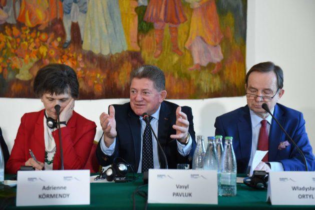 """Krasiczyn. Dwudniowa Konferencja """"Europa Karpat"""" podsumowanie 5 629x420 - Krasiczyn. Dwudniowa Konferencja """"Europa Karpat"""" - podsumowanie"""