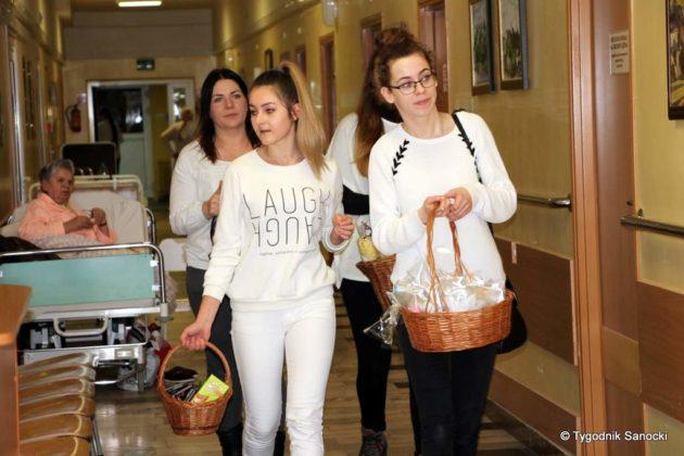 dzień chorego 9 630x420 - Anioły na oddziałach szpitalnych w Sanoku