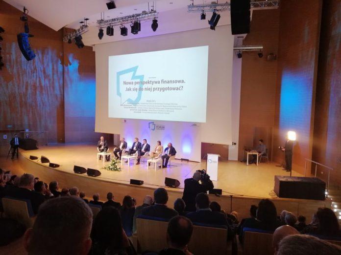 Burmistrz Matuszewski na Forum Samorządów w Jasionce