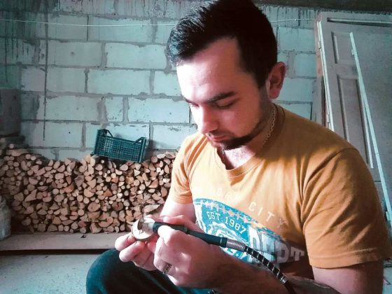 sanok michał pancerz 1 560x420 - Biżuteria z drewna