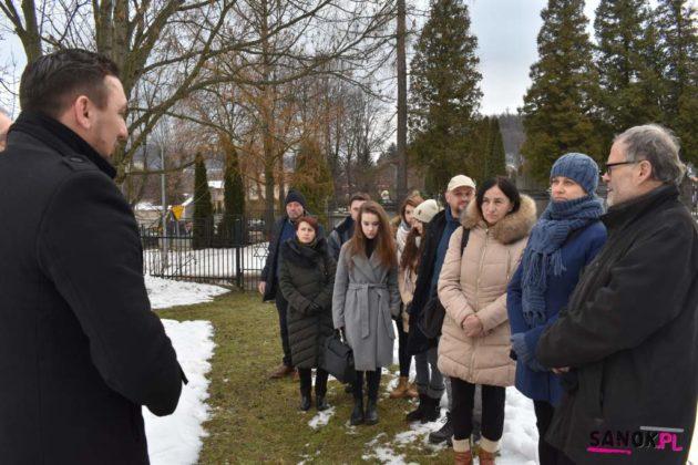 sanok uroczystość pamięć 13 630x420 - W Sanoku uczczono Międzynarodowy Dzień Pamięci o Ofiarach Holokaustu