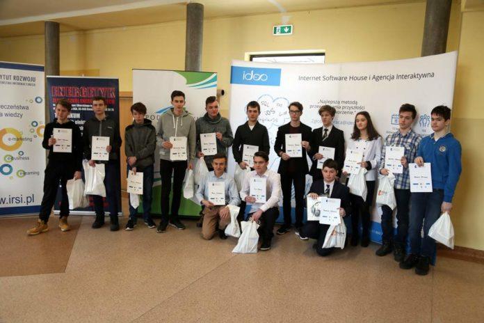 """Młodzi programiści z Podkarpacia zmierzą się w IV edycji konkursu """"web.Master podkarpacki"""""""