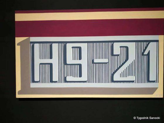 wernisaż 3 560x420 - H9-21 w BWA. Autobus z Sanoka w roli modela
