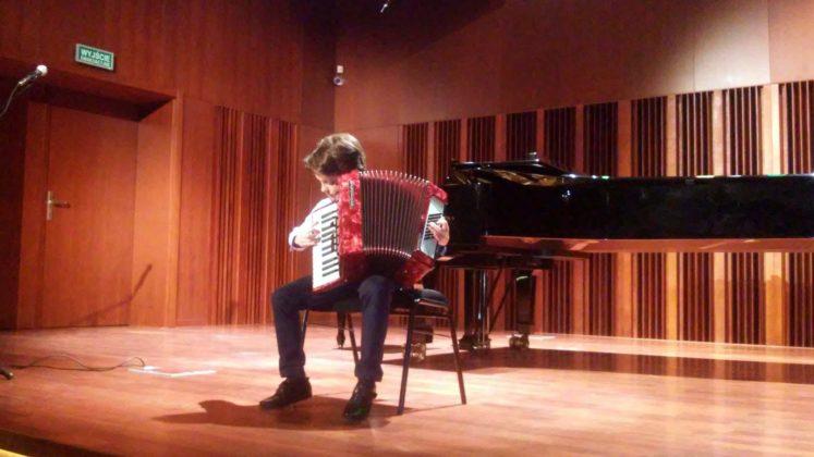 Adam Fedak akordeon naucz. A. Smolik 747x420 - Popis półroczny w PSM w Sanoku