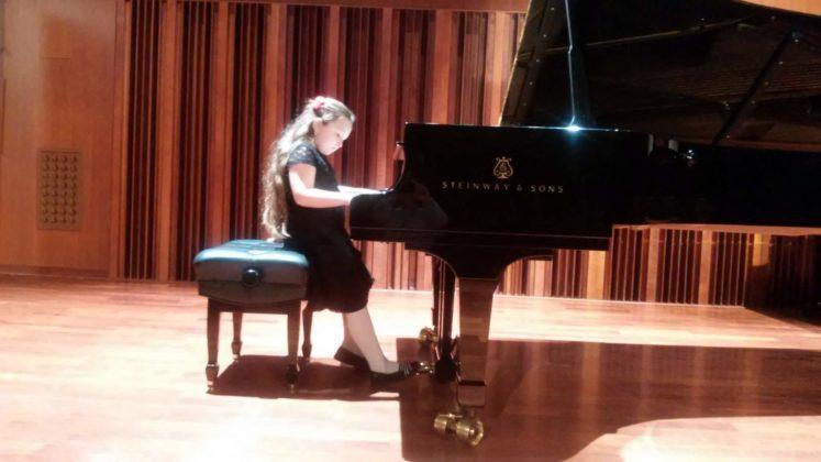 Laura Pietryka fortepian naucz. R. Handermander 747x420 - Popis półroczny w PSM w Sanoku