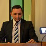 Burmistrz Tomasz Matuszewski składa sprawozdanie z pracy między sesjami