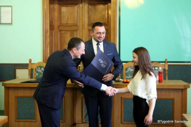 Tomasz Matuszewski i Paweł Hydzik wręczyli najzdolniejszym sanoczanom stypendia sportowe 20 630x420 - Stypendia dla sanockich sportowców przyznane