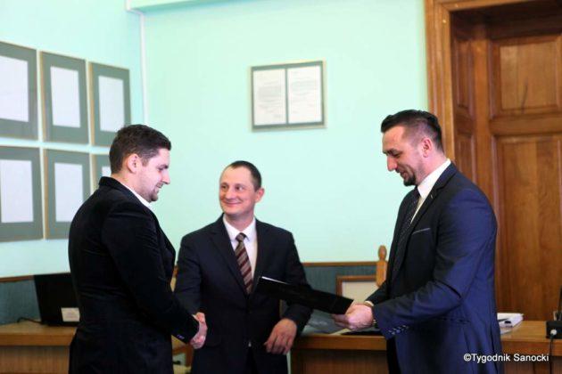 Tomasz Matuszewski i Paweł Hydzik wręczyli najzdolniejszym sanoczanom stypendia sportowe 8 630x420 - Stypendia dla sanockich sportowców przyznane