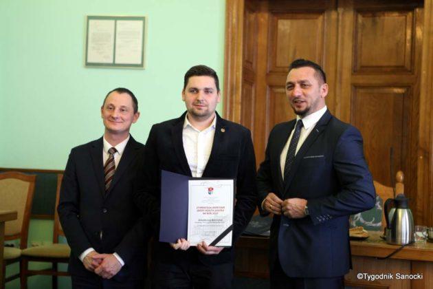 Tomasz Matuszewski i Paweł Hydzik wręczyli najzdolniejszym sanoczanom stypendia sportowe 9 630x420 - Stypendia dla sanockich sportowców przyznane