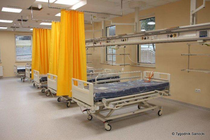 Wszystkie łóżka na oddziałach szpitalnych przeznaczone zostały do leczenia pacjentów z COVID-19