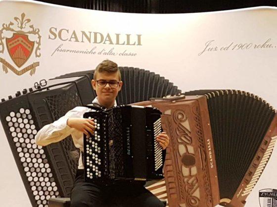 Filip Siwiecki 560x420 - Trwa świetna passa sanockich akordeonistów