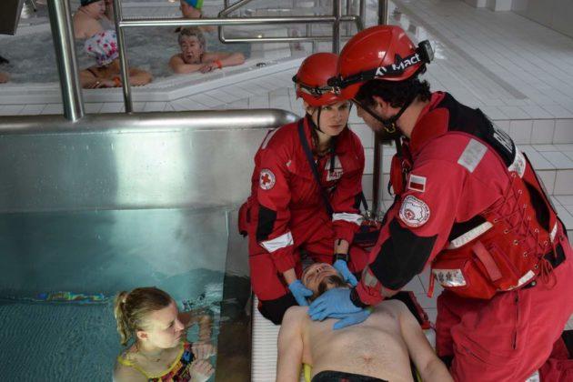 basen 2 630x420 - V Zawody w Ratownictwie Medycznym – PWSZ Sanok