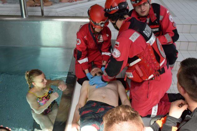 basen 3 630x420 - V Zawody w Ratownictwie Medycznym – PWSZ Sanok