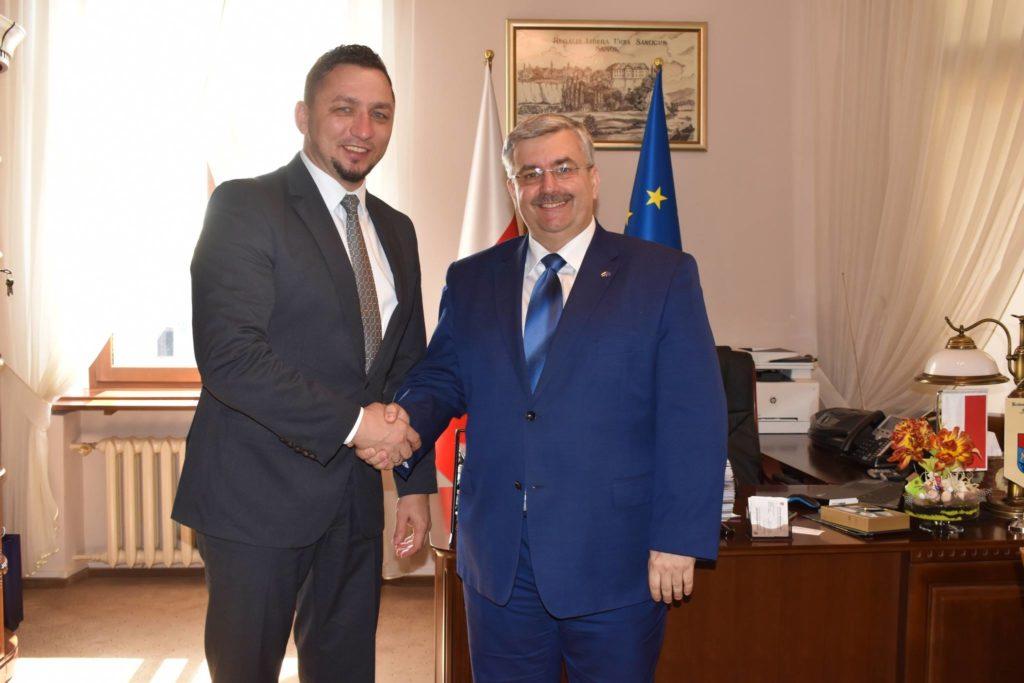 burmistrz spotkanie 1024x683 - Wiceprezydent Rzeszowa Marek Ustrobiński wSanoku