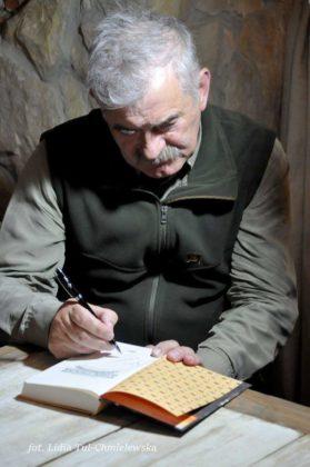 kazimierz nóżka7 279x420 - Niedźwiedzica z Baligrodu i inne historie Kazimierza Nóżki