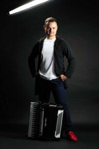 matuszewski 2 200x300 - Wiosna akordeonowa już od 11 kwietnia