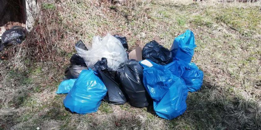 """pozytywnie zabiegani sanok 19 840x420 - Ponad 300 kg śmieci udało się uzbierać grupie """"Pozytywnie Zabiegani Sanok"""""""