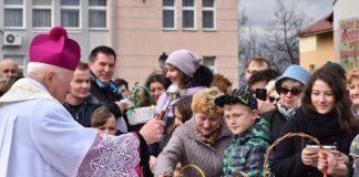 Wielkanocne spotkanie mieszkańców Sanoka na Rynku