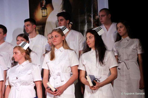 Czepkowanie pielęgniarek i pielęgniarzy 10 630x420 - Czepkowanie pielęgniarek i pielęgniarzy