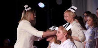 Czepkowanie pielęgniarek i pielęgniarzy