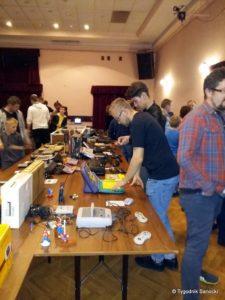 """Elektronika w stylu retro 1 225x300 - Elektronika w stylu retro. Wystawa w Klubie """"Górnik"""""""