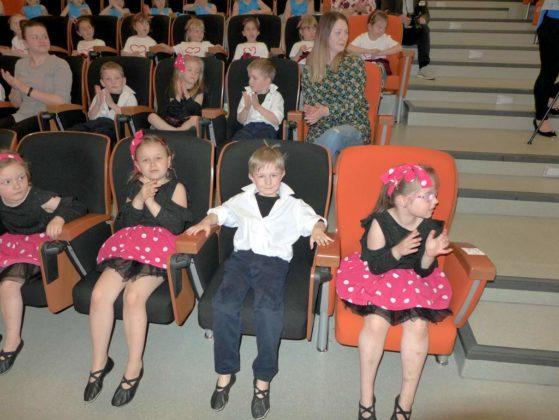 IV Przegląd Dziecięcych Zespołów Tanecznych Ziemi Sanockiej 2 559x420 - IV Przegląd Dziecięcych Zespołów Tanecznych Ziemi Sanockiej