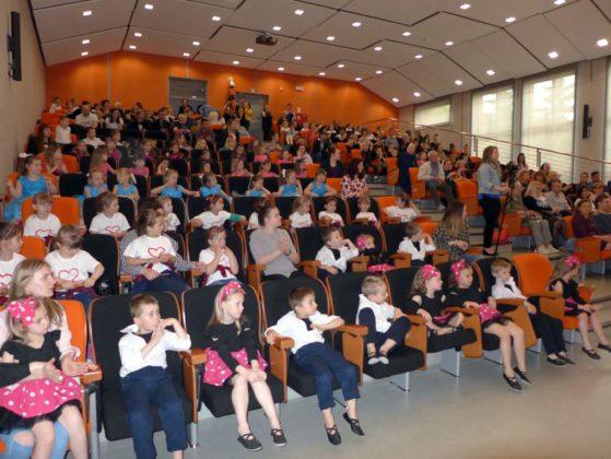 IV Przegląd Dziecięcych Zespołów Tanecznych Ziemi Sanockiej 6 559x420 - IV Przegląd Dziecięcych Zespołów Tanecznych Ziemi Sanockiej