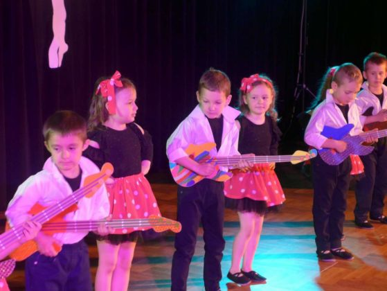 IV Przegląd Dziecięcych Zespołów Tanecznych Ziemi Sanockiej 9 559x420 - IV Przegląd Dziecięcych Zespołów Tanecznych Ziemi Sanockiej