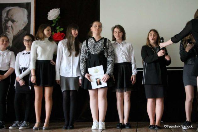 Polska Golgota Wschodu – Katyń 1940 pamiętamy 2 630x420 - Uczniowie SP nr 4 upamiętnili rocznicę zbrodni katyńskich