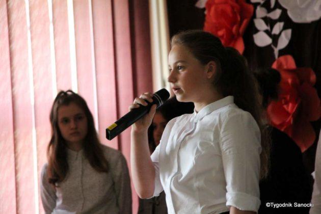 Polska Golgota Wschodu – Katyń 1940 pamiętamy 39 630x420 - Uczniowie SP nr 4 upamiętnili rocznicę zbrodni katyńskich