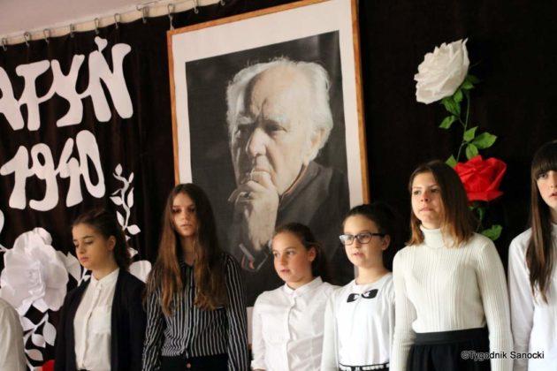 Polska Golgota Wschodu – Katyń 1940 pamiętamy 4 630x420 - Uczniowie SP nr 4 upamiętnili rocznicę zbrodni katyńskich