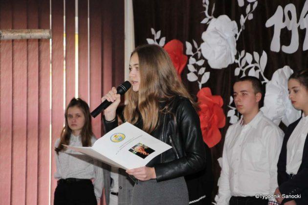 Polska Golgota Wschodu – Katyń 1940 pamiętamy 42 630x420 - Uczniowie SP nr 4 upamiętnili rocznicę zbrodni katyńskich