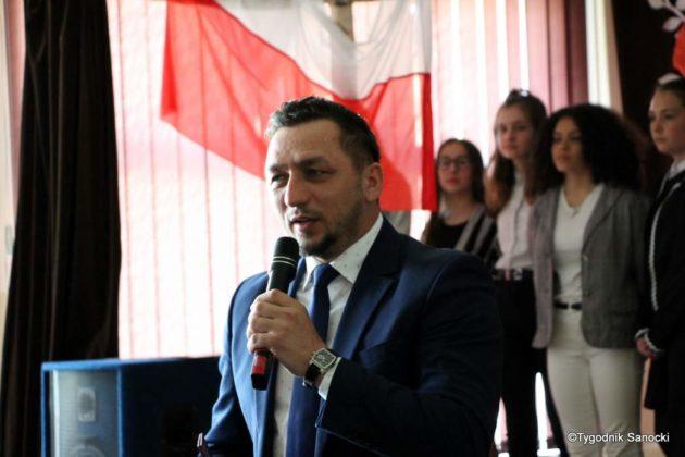 Polska Golgota Wschodu – Katyń 1940 pamiętamy 49 630x420 - Uczniowie SP nr 4 upamiętnili rocznicę zbrodni katyńskich