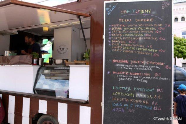 jedzonko 13 630x420 - Festiwal smaków na rynku w Sanoku