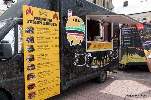 jedzonko 14 630x420 - Festiwal smaków na rynku w Sanoku