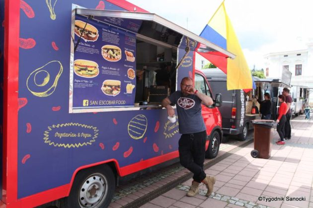 jedzonko 20 630x420 - Festiwal smaków na rynku w Sanoku