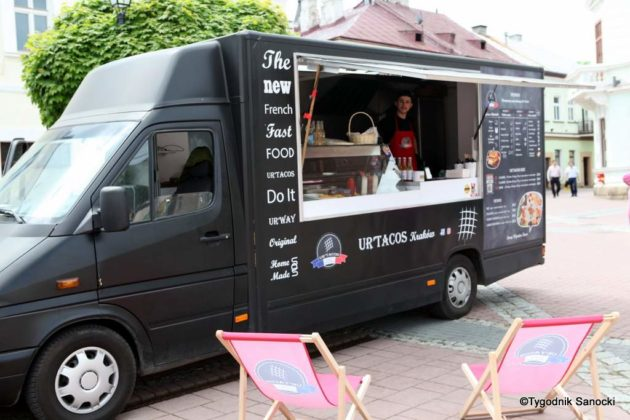 jedzonko 33 630x420 - Festiwal smaków na rynku w Sanoku