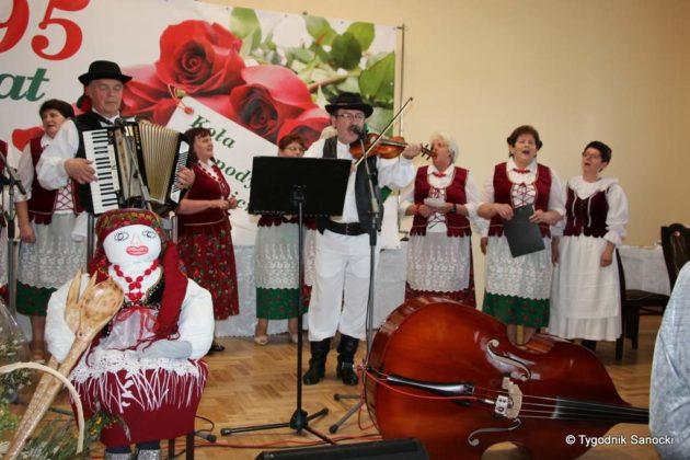 kgw 11 630x420 - Strażniczki tradycji - 95 lat Koła Gospodyń Wiejskich w Niebieszczanach