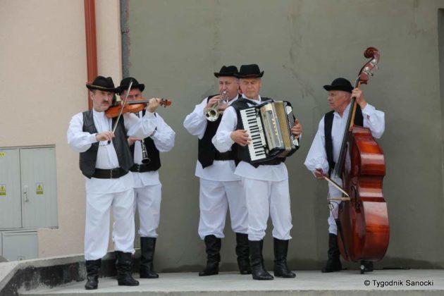 kgw 3 1 630x420 - Strażniczki tradycji - 95 lat Koła Gospodyń Wiejskich w Niebieszczanach